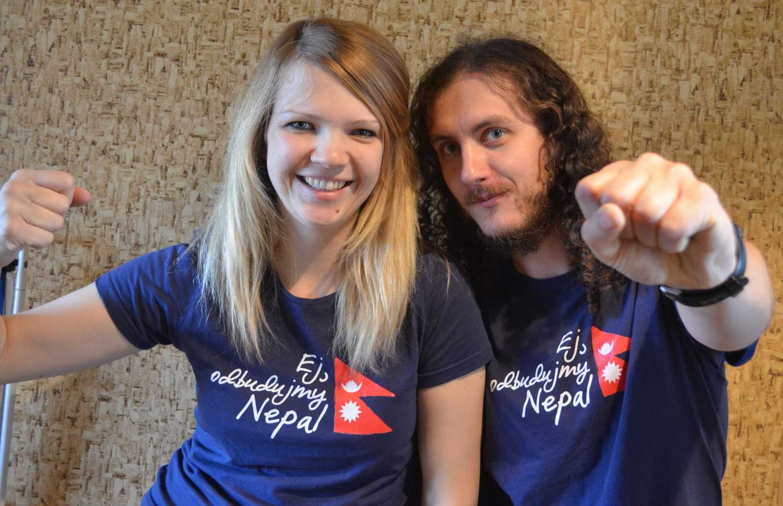 Daria i Wojtek w koszulkach