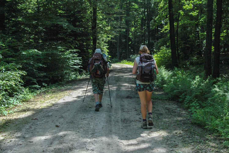 Daria i wujek w lesie